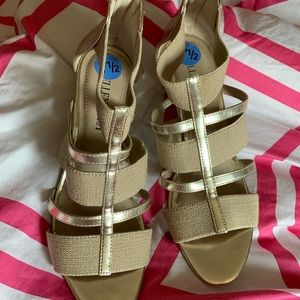 Gold Wedge Sandals Sz.7.5 New